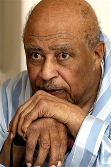 Eddie Robinson Dies at 88 Photo Eddie Robinson poses for a photograph in his home in Grambling, La., in this July 27, 2004 file photo. . (AP Photo/Dan Currier)