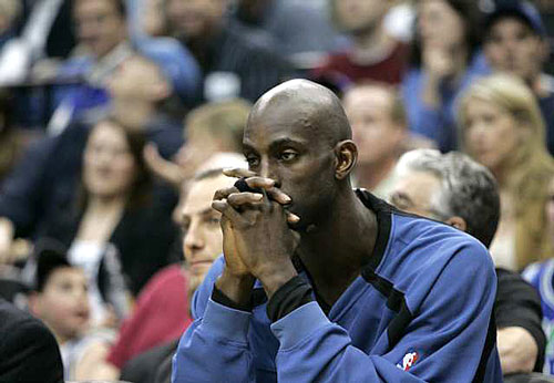 Kevin Garnett to the Lakers Photo The owners of the Lakers and Minnesota Timberwolves have begun talks for a trade that would involve sending Kevin Garnett to the Lakers, league sources said Monday. (Ann Heisenfelt / AP)