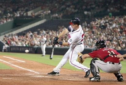 Mark Teixeira First Braves Home Run Photo
